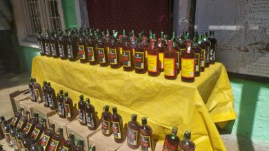 Photo of Kulgam Police arrests 03 bootleggers; recovers 112 bottles of illicit liquor