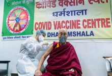 Photo of Dalai Lama receives Covid vaccine shot at Dharamshala