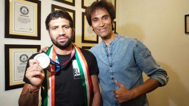 Photo of Olympic silver medalist Ravi Dahiya visits Jammu, thanks his mentor